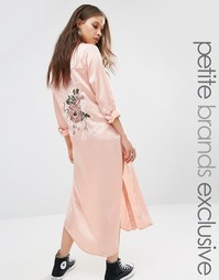 Куртка‑рубашка макси с длинными рукавами и вышивкой на спине Glamorous Petite - Розовый