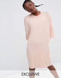 Платье-футболка миди в стиле oversize от Monki - Розовый