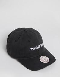 Бейсболка с регулируемой застежкой Mitchell & Ness - Черный