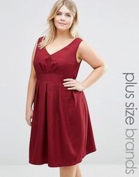 Фактурное короткое приталенное платье с V‑образным вырезом Koko Plus - Красный