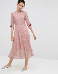 Кружевное платье миди с застежками в стиле кроше Sister Jane - Розовый