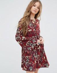 Платье с цветочным принтом и шнуровкой Moon River - Красный