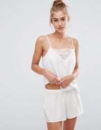 Пижамные топ на бретельках и шорты с кружевными вставками Monki - Белый