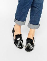 Черные туфли на плоской подошве с кисточками и вырезами House of Holland - Черный