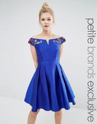 Платье мини для выпускного с цветочной отделкой на плечах Little Mistress Petite - Синий