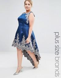Платье миди с вышивкой и асимметричной кромкой Chi Chi London Plus - Темно-синий