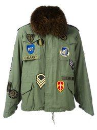 куртка нашивками и меховой подкладкой As65