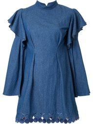 джинсовое платье с оборками DressCamp