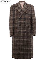 длинное пальто в клетку Thom Browne