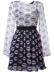 расклешенное платье с узором 'lips' Marco Bologna
