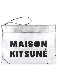 клатч с логотипом Maison Kitsuné