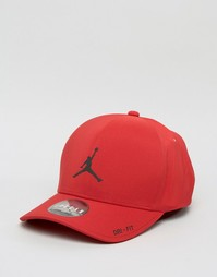 Классическая красная кепка Nike Jordan 801767-687 - Красный