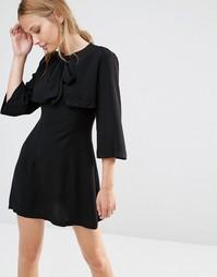 Цельнокройное платье Liquorish Pussybox - Черный