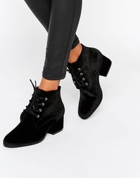 London Rebel Lace Up Velvet Mid Heel Ankle Boot - Черный