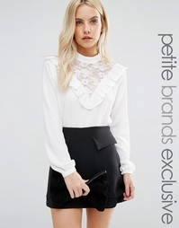 Блузка с кружевной нагрудной вставкой Fashion Union Petite - Кремовый