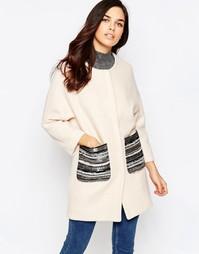 Пальто с отделкой металлик на карманах Jovonna Assis - Кремовый