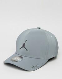 Классическая серая кепка Nike Jordan 801767-065 - Серый