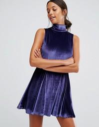 Бархатное короткое приталенное платье с высокой горловиной Love & Other Things - Синий