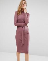 Платье миди в рубчик с высокой горловиной и поясом Missguided - Фиолетовый