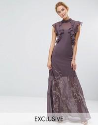Платье макси с высокой горловиной, рюшами и вышивкой на юбке Hope & Ivy - Серый