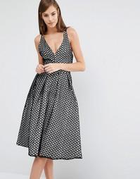 Кружевное приталенное платье миди с v-образным вырезом The 8th Sign - Черный