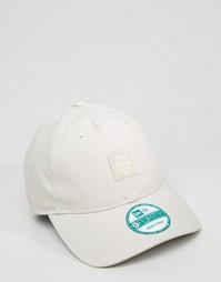 Регулируемая кепка с логотипом New Era 9Forty - Бежевый