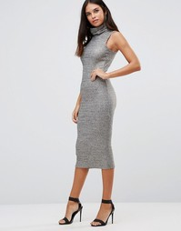 Платье миди цвета металлик в рубчик с высоким воротом Club L - Золотой
