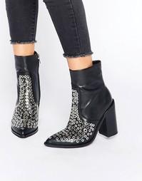 Кожаные полусапожки на каблуке с люверсами Sol Sana Lydia - Черный