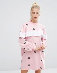 Трикотажное oversize-платье в горошек с оборками Lazy Oaf - Розовый