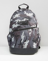 Серый рюкзак с камуфляжным принтом и отделкой из кожзаменителя Heist - Серый
