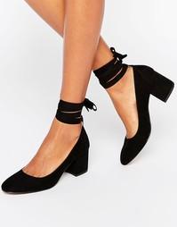 Туфли на каблуке с завязкой вокруг щиколотки London Rebel - Черный