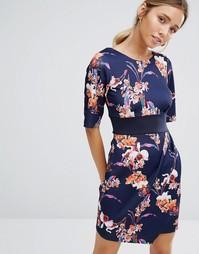 Платье с цветочным принтом и V‑образным вырезом сзади Closet - Темно-синий