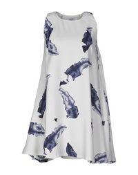 Короткое платье Wesc