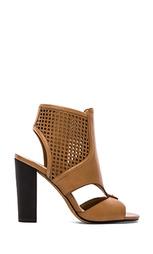 Туфли на каблуке nona - Dolce Vita