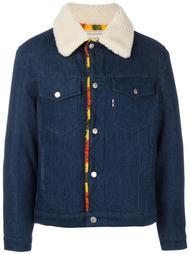 джинсовая куртка с меховым воротником Maison Kitsuné