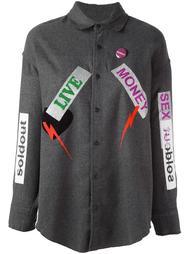 рубашка с нашивками и принтом Sold Out Frvr