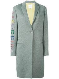 пальто с принтом 'have fun' из люверсов Mira Mikati