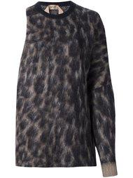 джемпер на одно плечо с леопардовым принтом Nº21
