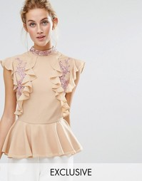 Hope & Ivy Frill Top with Embroidery - Розовый