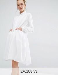 Эксклюзивное платье с присборенной юбкой Monki - Белый
