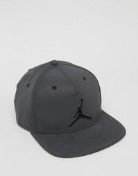 Черная бейсболка в стиле ретро Nike Jordan 5 801773-010 - Черный