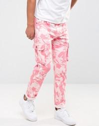 Розовые камуфляжные брюки‑карго Liquor & Poker - Розовый