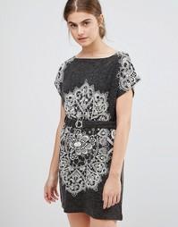 Платье с принтом пейсли и поясом Jasmine - Серый