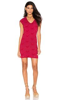 Платье с короткими рукавами и глубоким v-образным вырезом - Nightcap