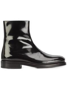 classic ankle boots Yang Li