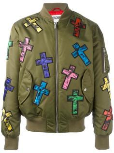 куртка-бомбер с заплатками Moschino
