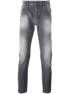 джинсы кроя слим с потертостями 7 For All Mankind