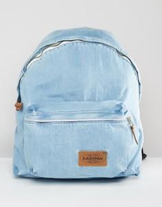 Уплотненный джинсовый рюкзак светло-голубого цвета Eastpak Pak R - Синий