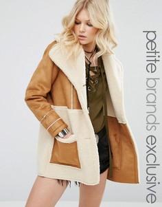 Oversize-пальто со вставками из искусственной овечьей шерсти Glamorous Petite - Коричневый