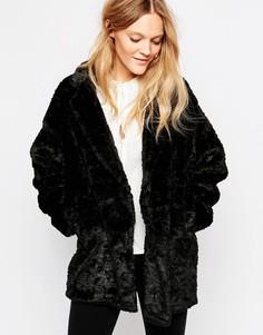 Черное пальто из искусственного меха Just Female Mawi - Черный